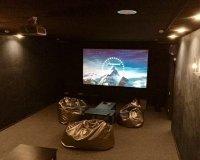 В Челябинске работает кино-кафе Lounge 3D cinema