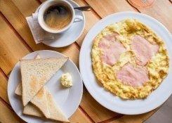 Завтраки в кафе Яран.