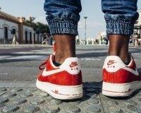 В Nike сделали кроссовки HyperAdapt 1.0, которые зашнуровывают себя сами