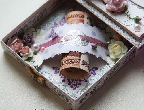 Интересный подарок своими руками на свадьбу