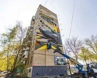 В Челябинске появилось новое граффити с танком