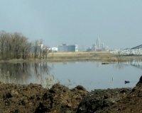 Власти Астаны обещают до конца года очистить зловонное озеро Талдыколь