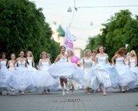 Десятки невест пройдут по Караганде