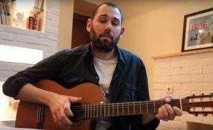 Видео дня: Семен Слепаков спел смешную песню про «Держитесь, хорошего настроения!»