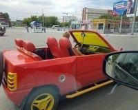 Челябинцы заметили на улицах машину с «игрушечным» тюнингом