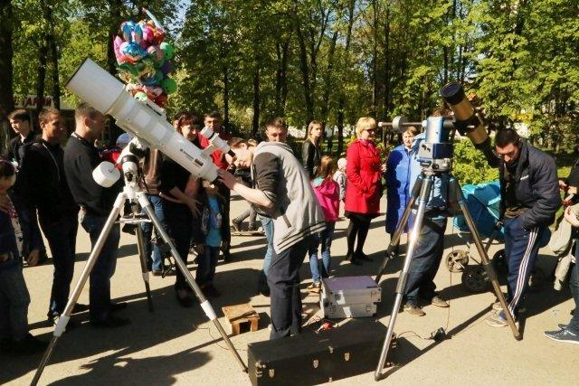 Уфимский планетарий проведет бесплатные выездные наблюдения Солнца в телескопы