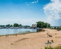На пляже «Локомотив» снова запретили купаться