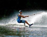 27 августа пройдут заключительные соревнования сезона по кабельному вейкборду и акваджампингу для роллеров и велосипедистов