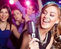 Тюменцы споют в караоке под живую музыку