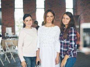 Инстаблогер и певица Саша Зверева провела семинар для тюменских мамочек