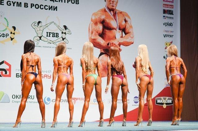 Девушки в бикини екб