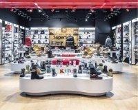 В Казани в ТЦ «Мега» открылся мультибрендовый обувной магазин  SuperStep