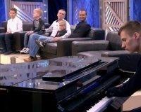 Казанский пианист без кистей рук Алексей Романов сыграет на семинаре Ника Вуйчича в Казани