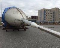 Самолет Ту – 144 перевозят к зданию КНИТУ-КАИ