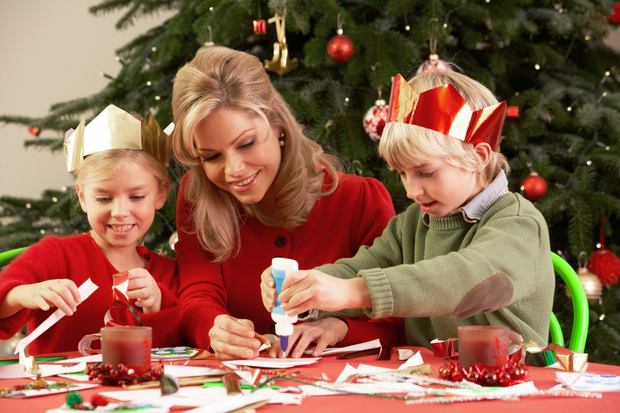 childrens christmas essays We can truly be happy at christmas no matter what may be happening, we can know that we are his children we then become sons and daughters of god heaven will be our home one day.
