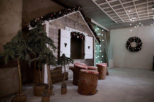 Фотостудии с новогодними декорациями ладожская год