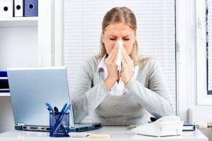 Роспотребнадзор Югры рекомендует отстранять от работы сотрудников с признаками ОРВИ