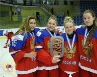 4 хоккеистки из Красноярска выиграли бронзу на чемпионате мира