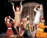 В Драмтеатре споют старые песни о главном