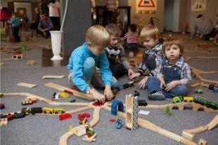 23 февраля в Казань приезжает игротека для детей «Паровозия в Городе Конструкторов»