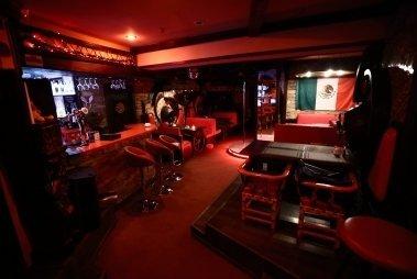 Стриптиз бары в мексике кальянщик в клуб москва