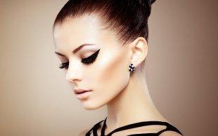 Профи по перманентному макияжу проведет уроки для тюменцев