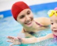 Мамочки с детьми могут посетить бассейн с большой скидкой