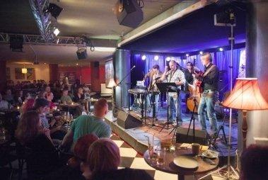 Джаз клуб в москве бутман певцы ночных клубов москвы