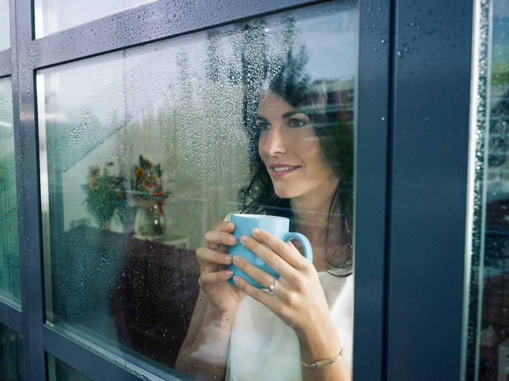 Если вы смотрели на дождь за окном, то совсем скоро в вашей жизни произойдут серьезные перемены.