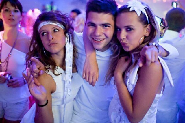 Наряд на белую вечеринку
