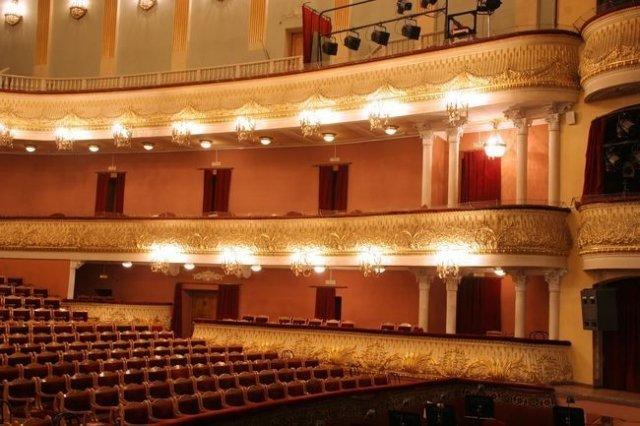 Театра оперы и балета,