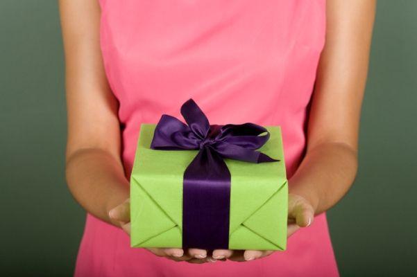 Сон дарят подарки на день рождения 396