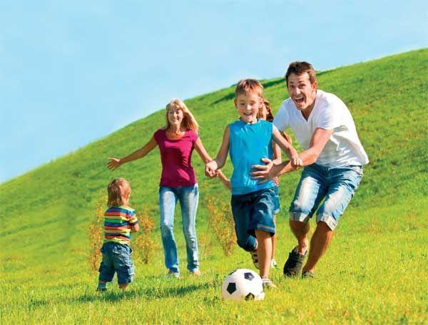 Картинки спортивная семья на природе