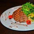 Стейк-салат из конины