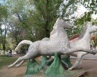 """Коняшки из парка """"ускакали"""" не по доброй воле."""