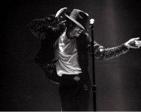 В твиттер выложили новый клип Майкла Джексона