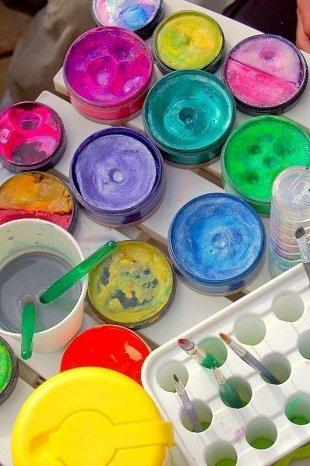 Налетай, торопись — учат делать живопись!