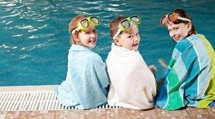 Где научить ребенка плавать