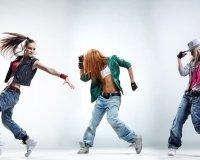 Девушек приглашают бесплатно потанцевать