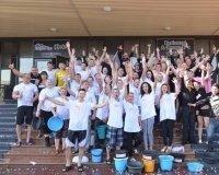 В Караганде началась акция Ice Bucket Challenge в поддержку больных раком детей (фото)