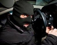 В международный розыск объявлен мошенник, похищающий дорогие авто