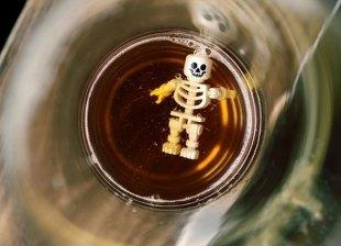 В Госдуме предложили размещать на этикетках алкоголя фото органов алкоголиков