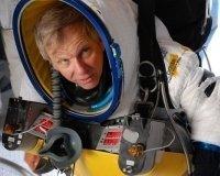 Вице-президент Google Алан Юстас побил рекорд Феликса Баумгартнера, прыгнув из стратосферы