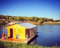 На Шершнях появилась баня на воде Hot House