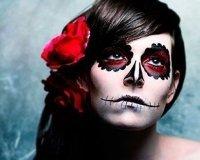 Фанатам Хэллоуина сделают бесплатный макияж и праздничную прическу