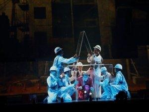 Супершоу ID от цирка Eloize в Челябинске