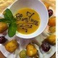 Жареный сыр Бри с соусом из маракуйи