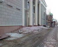 Уже можно оценить новый внешний вид Театра Пушкина и ГорДК