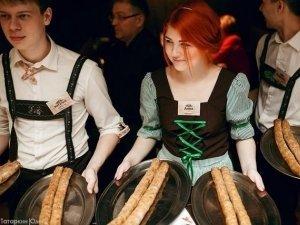 Турнир по поеданию колбасок в «Брудершафте»