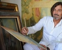 Выставку картин Никаса Сафронова в Сургуте продлят до 15 марта
